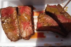 黒毛和牛ステーキ-min
