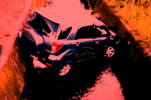 交通事故イメージ-min