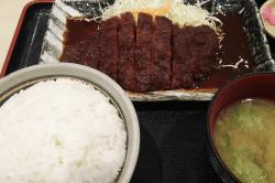 ロース味噌カツ定食-min