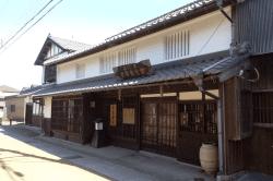 土山宿旧屋-min