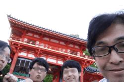 八坂神社前駐車-min