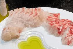 真鯛刺身調理6-min