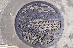 沼津マンホール-min