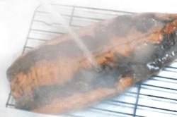 中国産ヨーロッパ種鰻熱湯皮-min