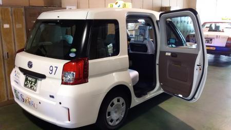 車両(コロナ・ドア開放