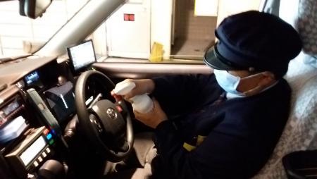 車内消毒(ハンドル)